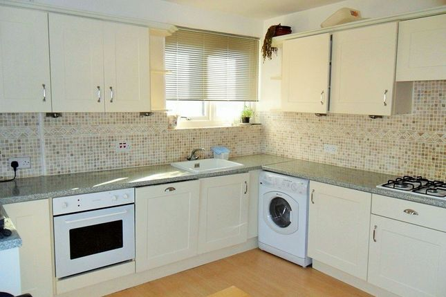 Thumbnail Maisonette to rent in Lassell Gardens, Maidenhead