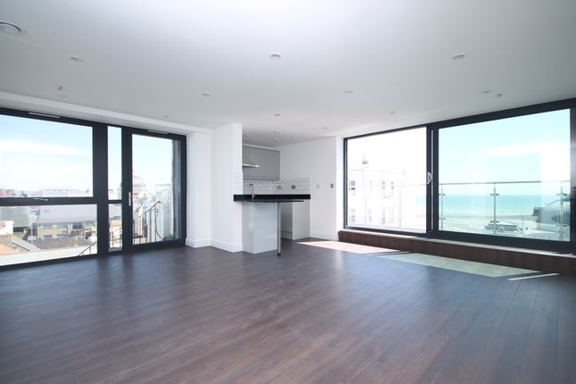 Thumbnail Flat to rent in Worthing House, South Street, Worthing