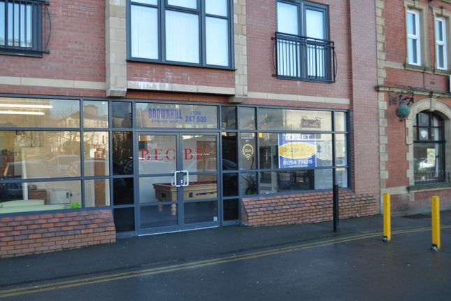Retail premises to let in Market St. Lane, Blackburn