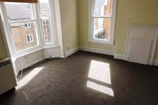 Flat to rent in High Street, Brighton