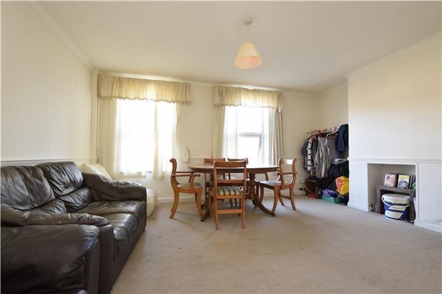 Thumbnail Flat to rent in Crescent Way, Orpington, Kent