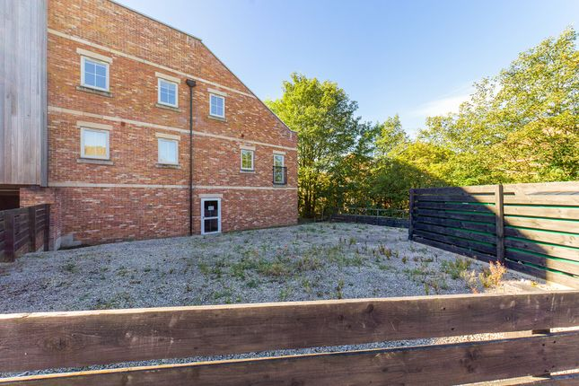 1 bed flat for sale in Wain Avenue, Chesterfield S41