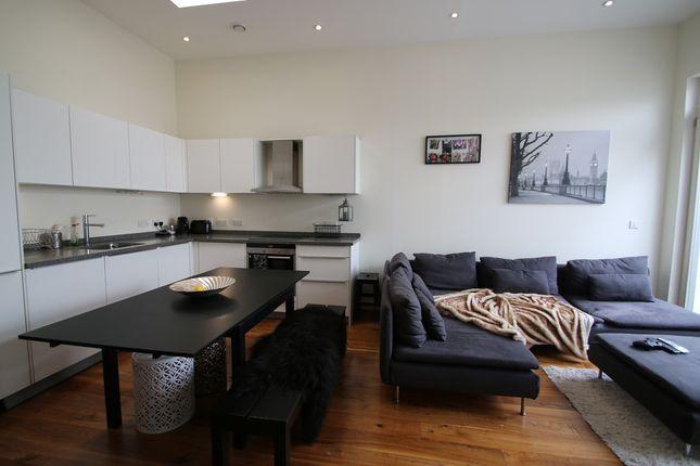 1 bed flat to rent in Glentham Cottages, Glentham Road, London