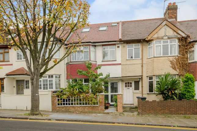 3 bed property for sale in Long Lane, Finchley Central