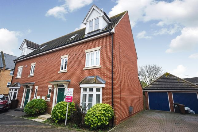 Thumbnail Town house for sale in Taylor Way, Great Baddow, Chelmsford