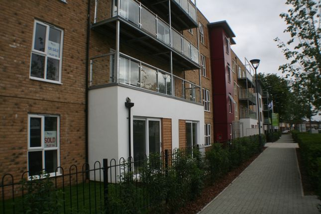 Thumbnail Flat to rent in Wintergreen Boulevard, West Drayton