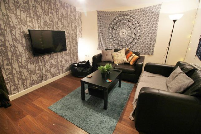 Thumbnail Terraced house to rent in 3 Claremont View, Hyde Park