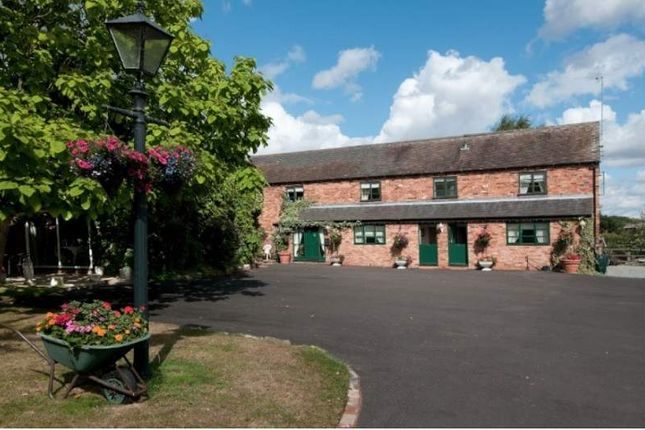 Thumbnail Hotel/guest house for sale in Hints Road, Hopwas, Tamworth