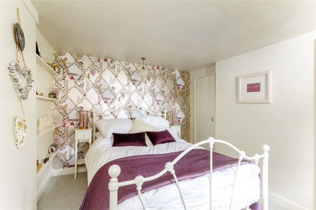 Bedroom of Gravel Hill, Henley-On-Thames, Oxfordshire RG9