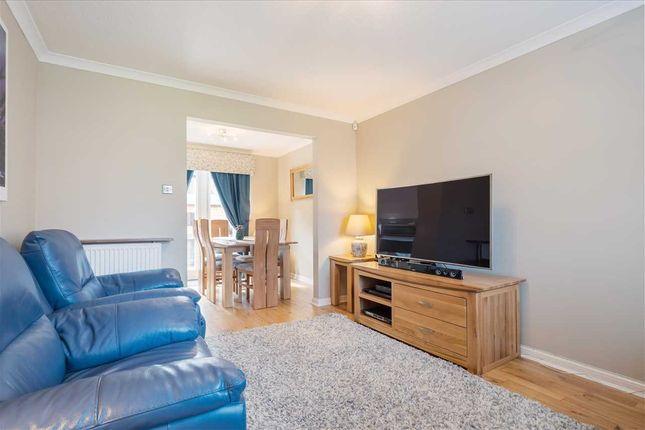 Lounge (2) of Canonbie Lane, Mavor Park Gardens, East Kilbride G74