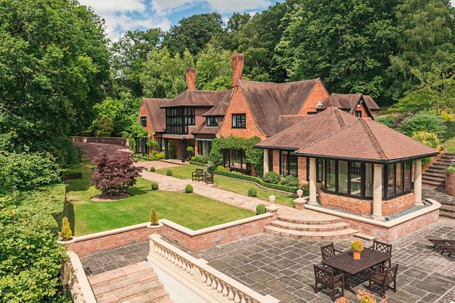 Thumbnail Country house for sale in Bowsey Hill, Wargrave, Reading