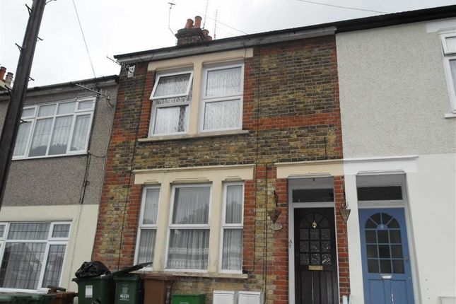 Thumbnail Flat to rent in Clive Road, Belvedere, Kent