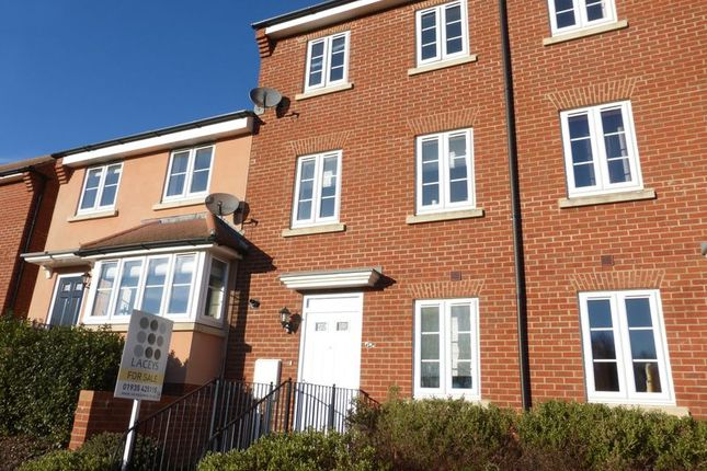 3 bed town house for sale in Nelson Way, Yeovil
