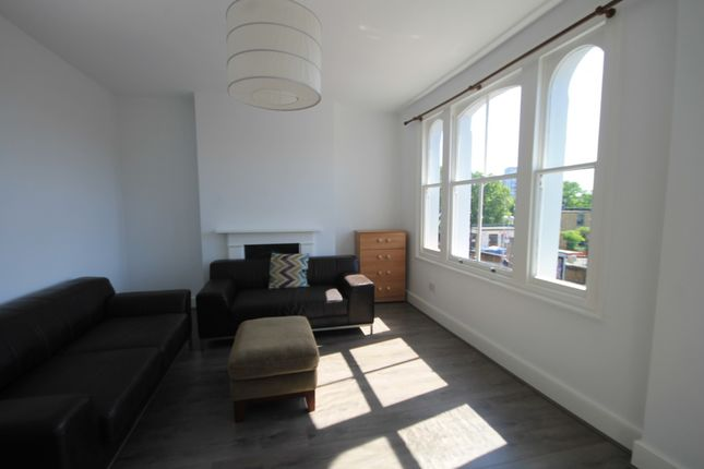 Thumbnail Terraced house to rent in Grove Road, Bow