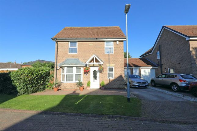 4 bed property for sale in Chapel Fields, Coniston, Hull HU11
