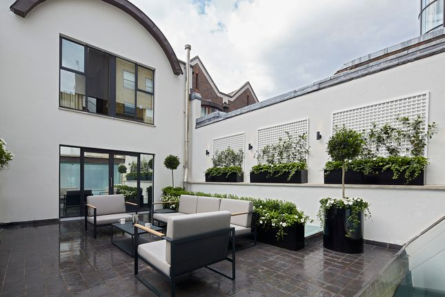 Thumbnail Terraced house to rent in Cheval Place, London