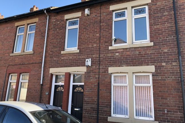 Thumbnail Flat to rent in Norham Road, North Shields