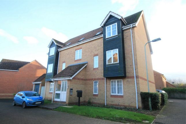 2 bed flat to rent in Horseshoe End, Newbury