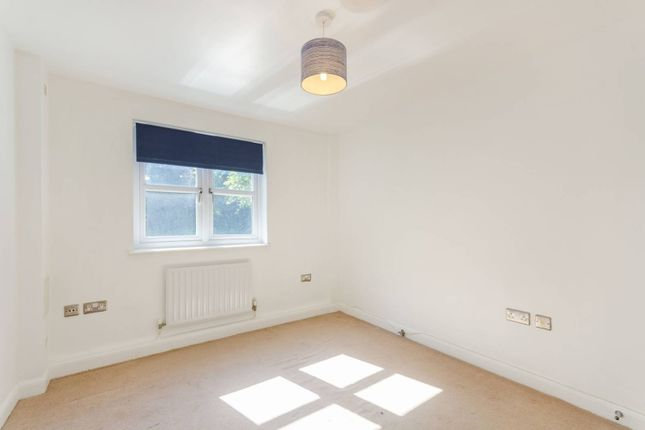 Thumbnail Flat to rent in Birdhurst Road, Croydon, South Croydon