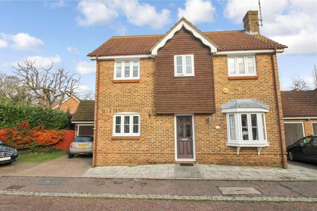4 bed property to rent in Waltham Close, Hutton, Brentwood CM13