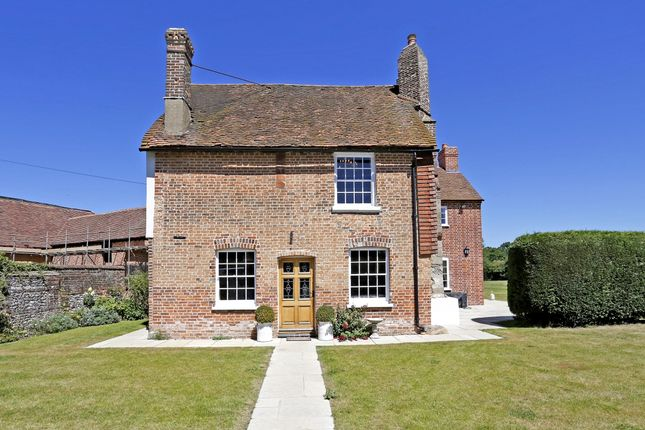 Thumbnail Farmhouse to rent in Copes Farm, Spurlands End Road, Great Kingshill, High Wycombe