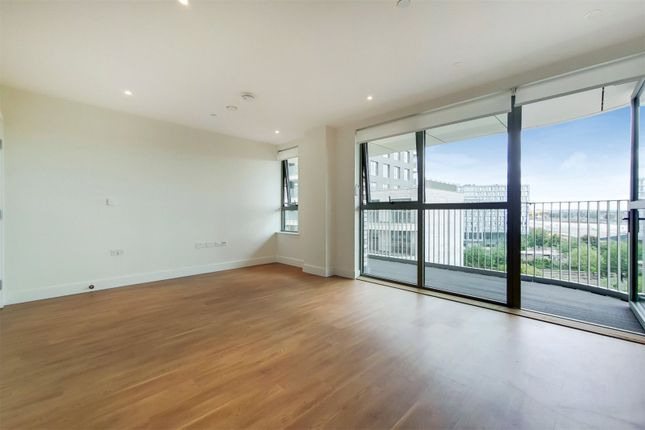 Thumbnail Flat to rent in Hopton House, 23 Green Street, London