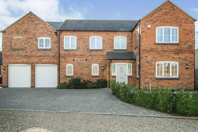 5 bed detached house for sale in Chestnut Close, Countesthorpe, Leicester LE8