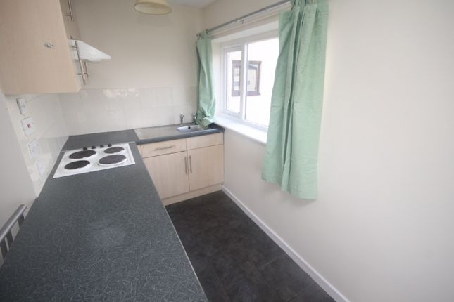 Thumbnail Studio to rent in Farnely House, Kingsdale, Seacroft, Leeds