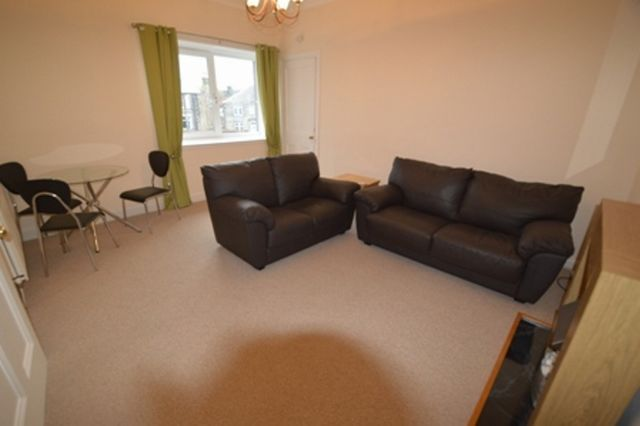 Thumbnail Flat to rent in Limefield Road, West Calder, West Lothian