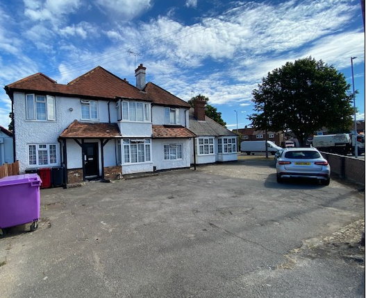 Thumbnail Detached house for sale in London Road, Langley, Slough