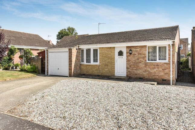 Thumbnail Detached bungalow to rent in Tarrant Avenue, Witney