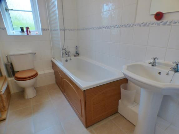 Bathroom of Warneford Way, Leighton Buzzard, Bedfordshire LU7