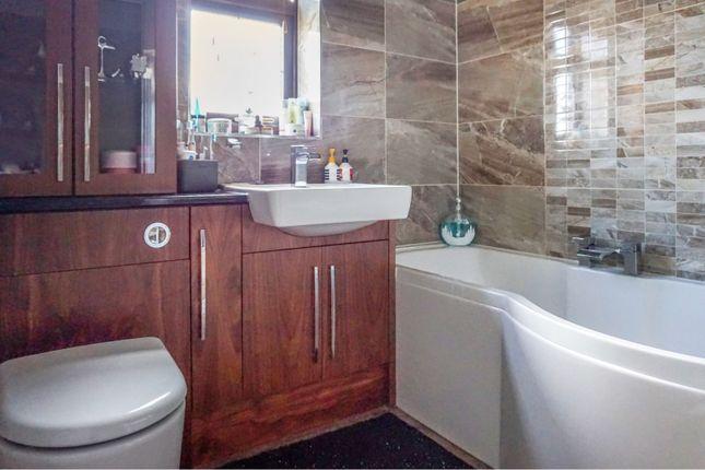 Bathroom of Silverthorne Lane, Cradley Heath B64