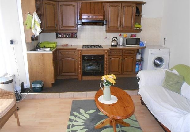 Thumbnail Shared accommodation to rent in Mansel Street, Central, Swansea