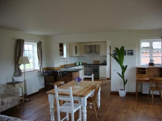 Thumbnail Detached house to rent in Kiwi Cottage, Lower Ham Farm, Wootton Bassett, Wiltshire