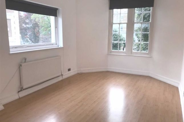 2 bed flat to rent in Haverstock Hill, Belsize Park, London