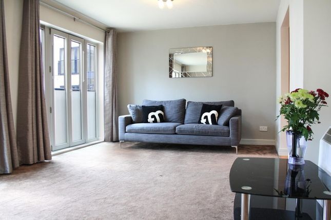 2 bed flat to rent in Wharfside Street, Birmingham