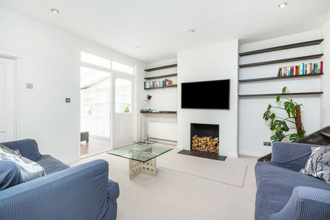 Thumbnail Flat for sale in Bedford Hill, Balham, London