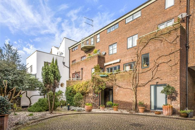 4 bed property for sale in Nelsons Yard, London NW1