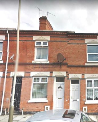 Terraced house to rent in Herchell Street, Leicester