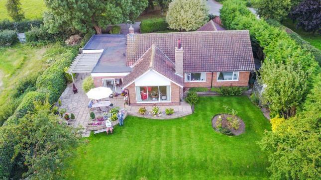 Thumbnail Bungalow for sale in Holme Lane, Holme Pierrepont, Nottingham, Nottinghamshire