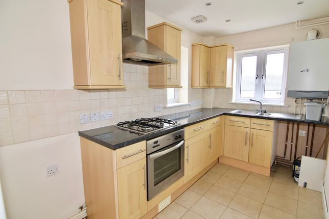 Thumbnail Flat to rent in Elm Grove, Milton-Under-Wychwood, Chipping Norton