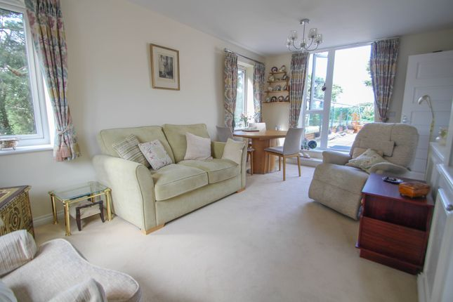 Thumbnail Flat to rent in Park Lane, Camberley, Surrey