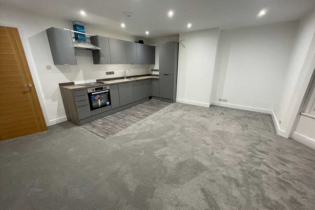 Flat to rent in Bournemouth Road, Parkstone, Poole