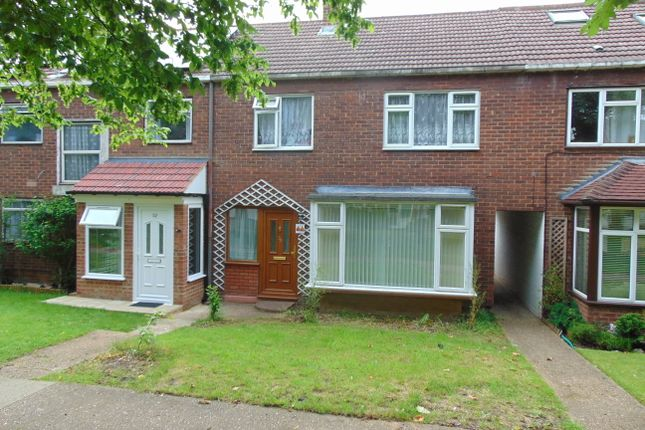 Thumbnail Terraced house to rent in Gobions, Basildon