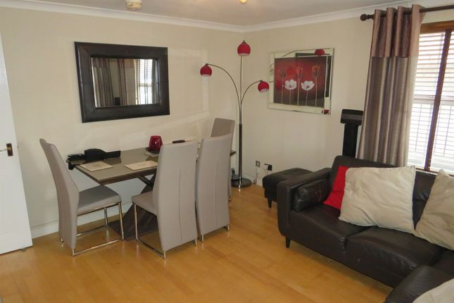 Thumbnail Flat for sale in Benn Avenue, Paisley