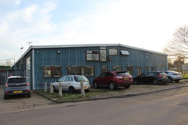 Thumbnail Light industrial to let in 2 Stockton End, Sandy, Bedfordshire