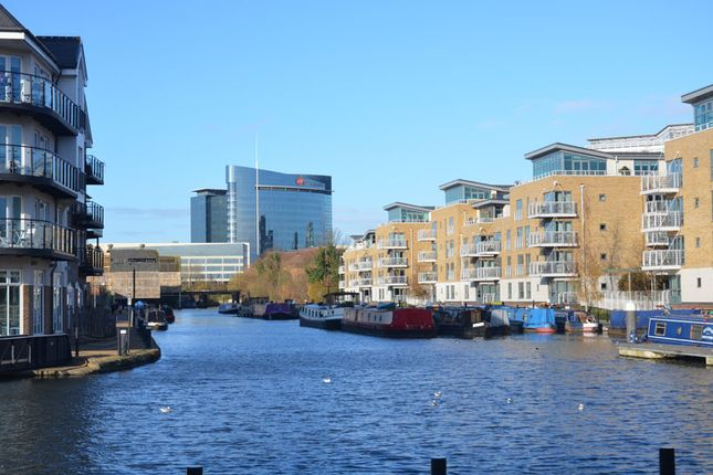 3 bed flat for sale in Pump House Crescent, Kew Bridge West, Brentford