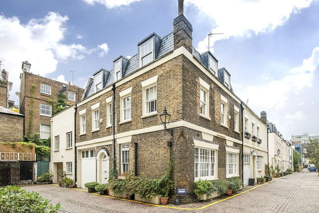 Thumbnail Mews house for sale in Queens Gate Mews, South Kensington, London
