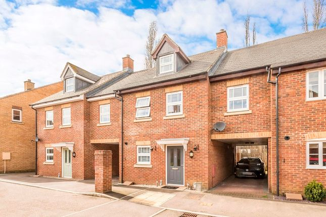 Thumbnail Town house for sale in Stockbridge Close, Clifton, Shefford, Bedfordshire